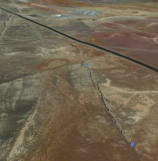Navajo-fissure-Luepp-area-Google-Earth